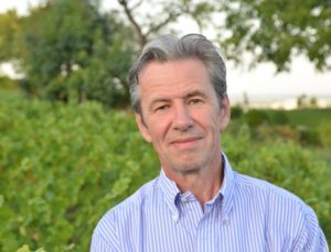 Guillaume d'Angerville, propriétaire du domaine Marquis d'Angerville, conduit en biodynamie, et président des 'Climats de Bourgogne' sera présent à l'AG de la FCI.